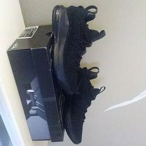 Mens Nike Lebron 15 Low, Black